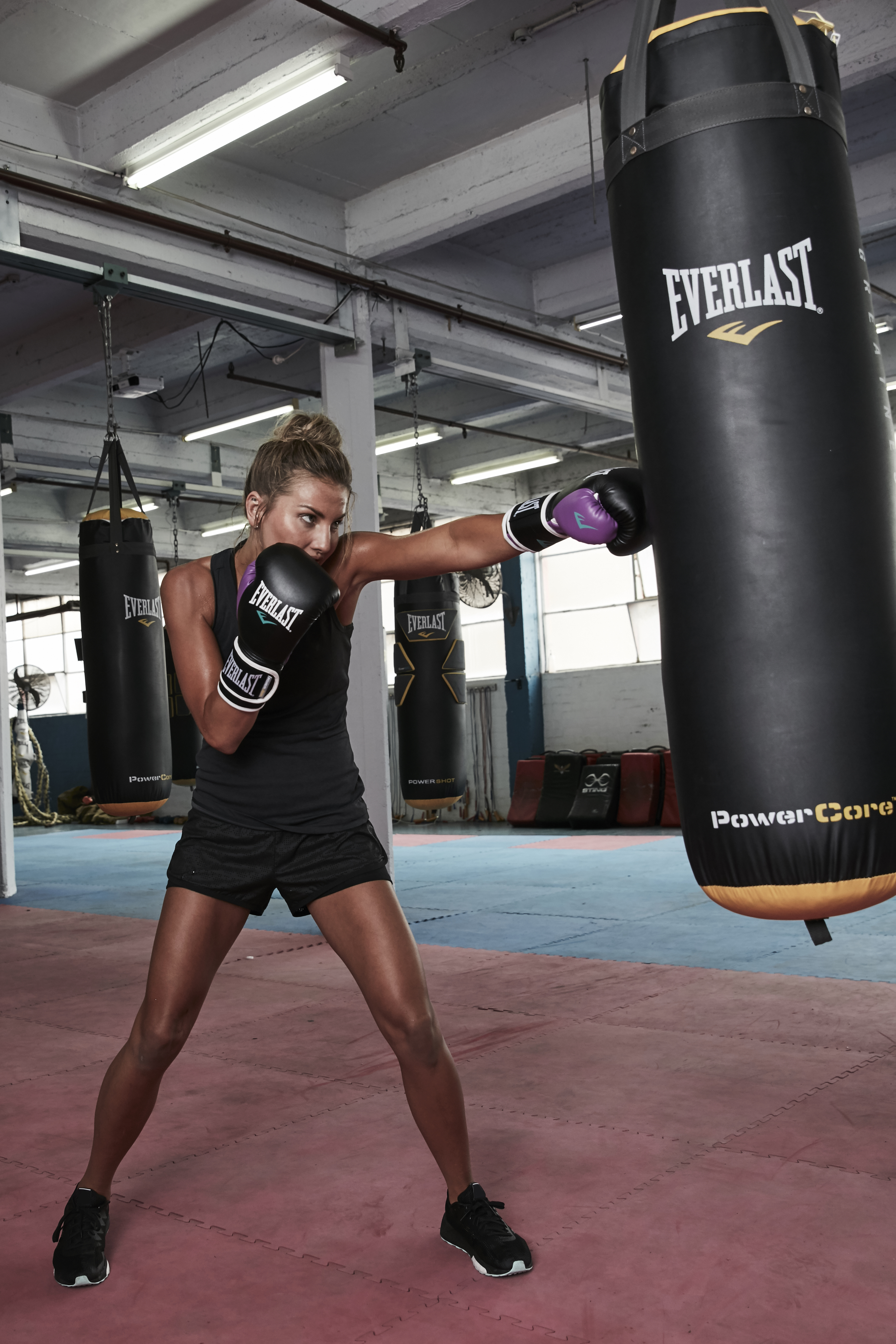 Everlast PowerLock Training Glove by Designworks Clothing Company in Melbourne VIC